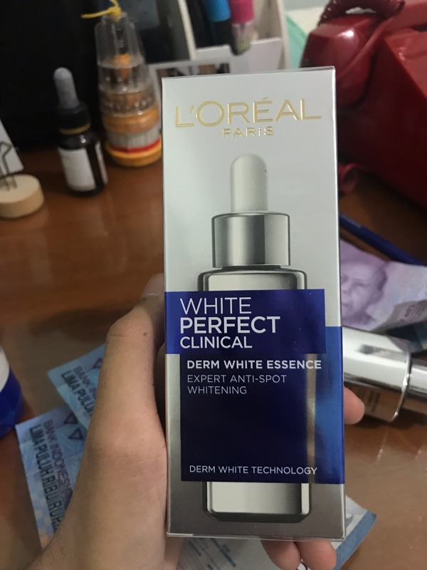 Loreal Paris White Perfect Clinical Derm White Essence - White Perfect