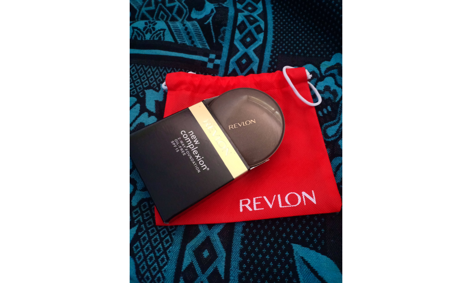 Revlon New Complexion 2 Way Foundation